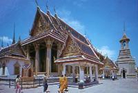 欧美老人流行到泰国养老