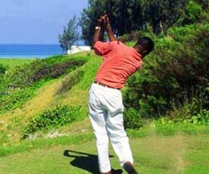 87岁盲人创造高尔夫奇迹