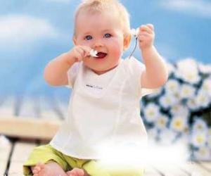 宝宝添加辅食全程指导