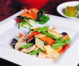 多吃豆类制品有助老人夏季养生