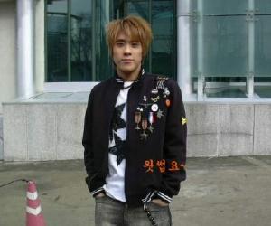 韩国明星自杀多少是整容明星