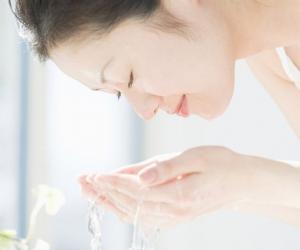 女性孕前六招排毒洗脸法