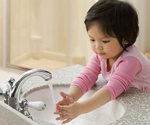 给宝宝洗手的9个小细节